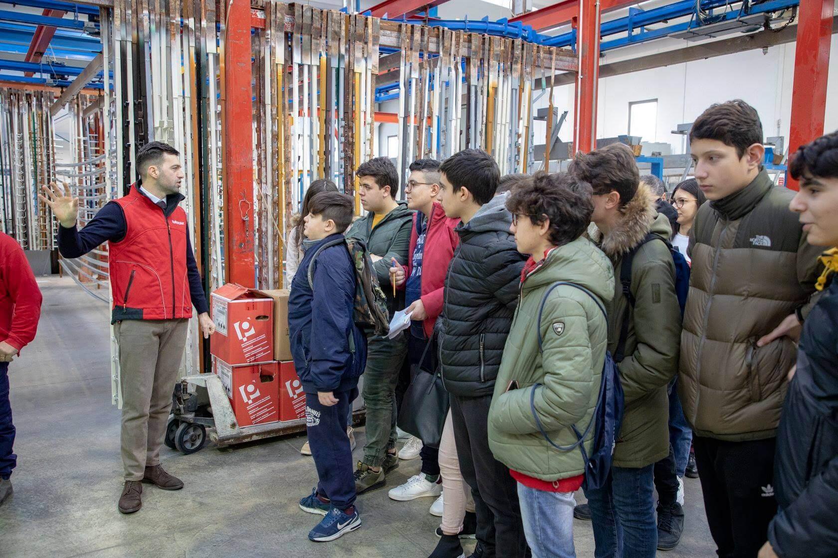 italbacolor experience studenti laboratorio chimico