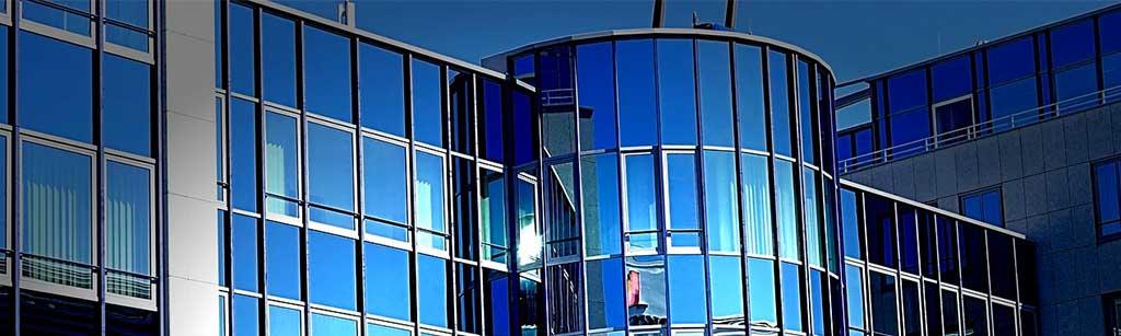 facciate continue alluminio e vetro per edifici pubblici
